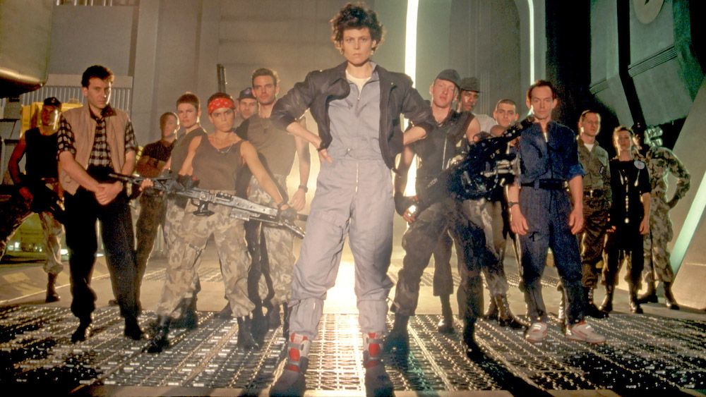 Кроссовки в кинематографе: знаковые сникер-моменты из кино - Reebok Alien Stomper / Bishop