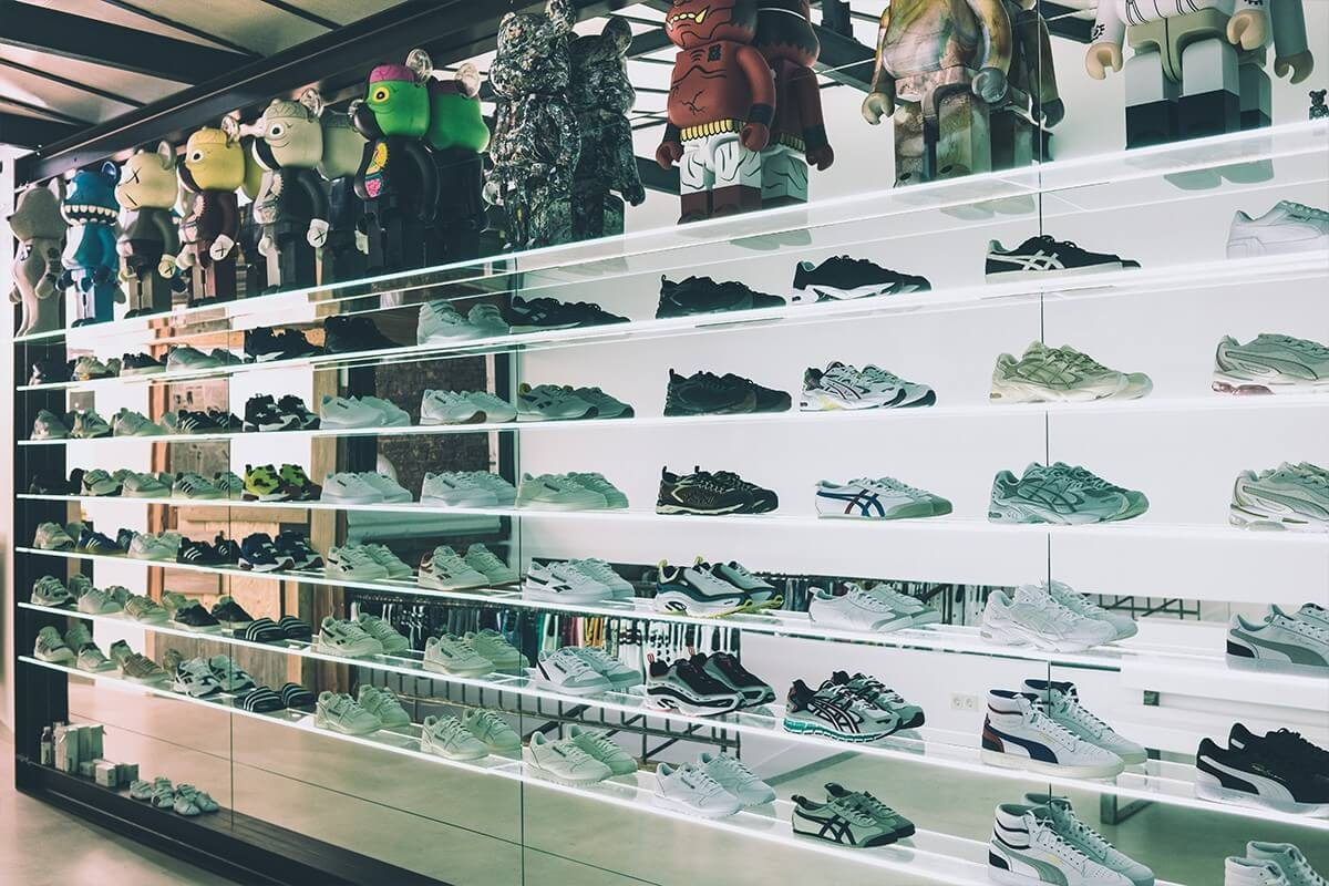 Шопинг-гайд по покупке кроссовок в Кёльне - магазин STANDART