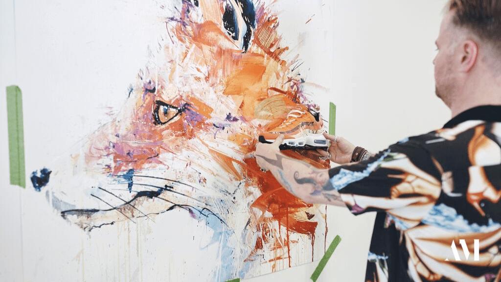 Прекрасное в обыденном: 11 современных художников и их работы для брендов кроссовок