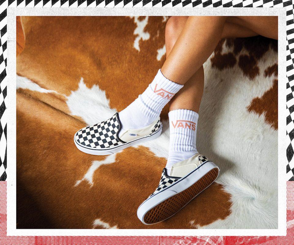 Как сочетать носки и кроссовки: краткий, но ёмкий гайд от Метизы